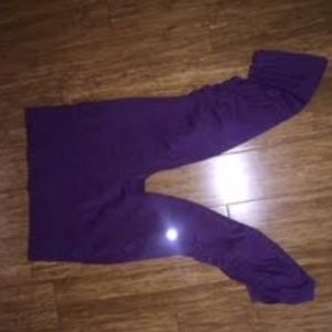 Cropped purple Lululemon leggings